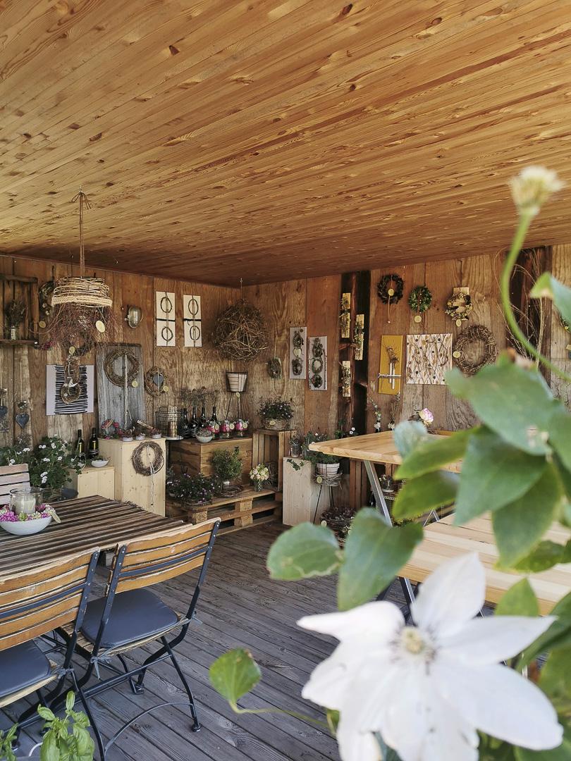 Einblick ins Naturfloristikatelier in Mäder